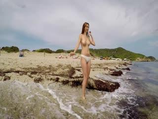 超完美女神嫩模在風景宜人的海灘秀1080P超清